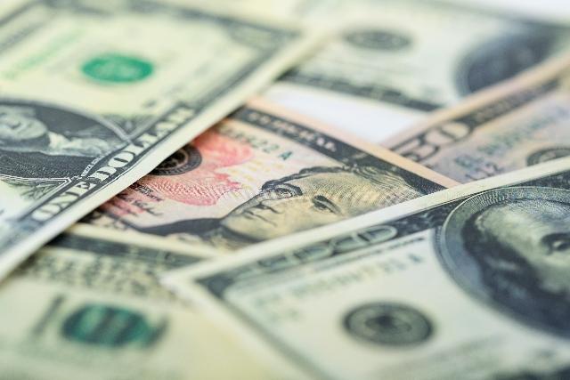 SBIFXトレードの店頭FXとレバレッジ付き定期外貨預金比較分析