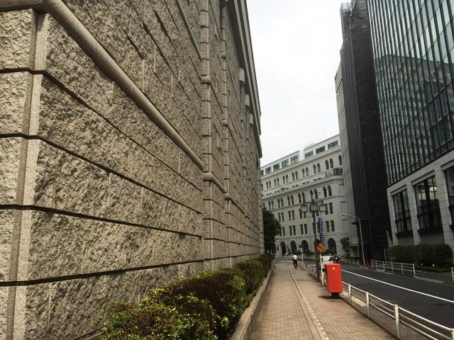 東京証券取引所の壁