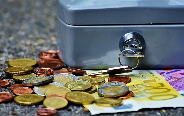 積立投資でコツコツと、リスクと時間を分散して資産運用